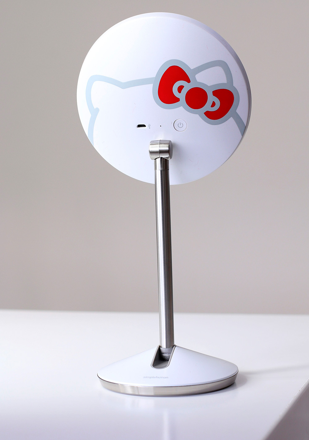 simple human hello kitty mirror