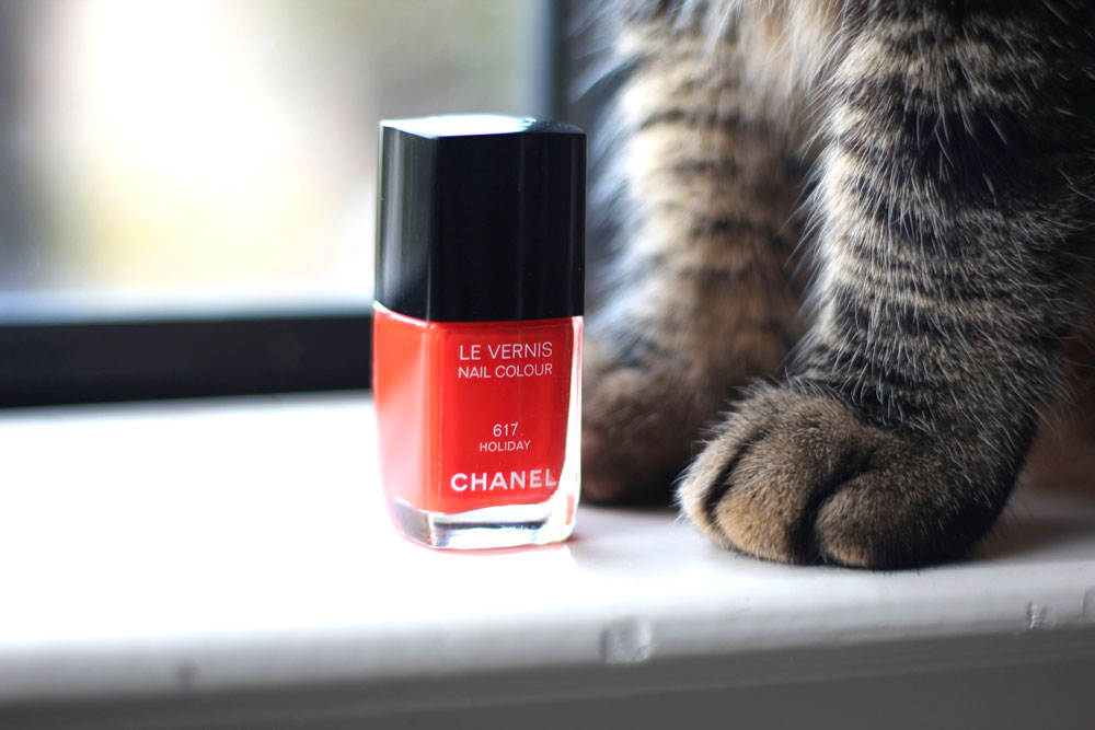 Chanel Le Vernis Nail Colour in 617 Holiday