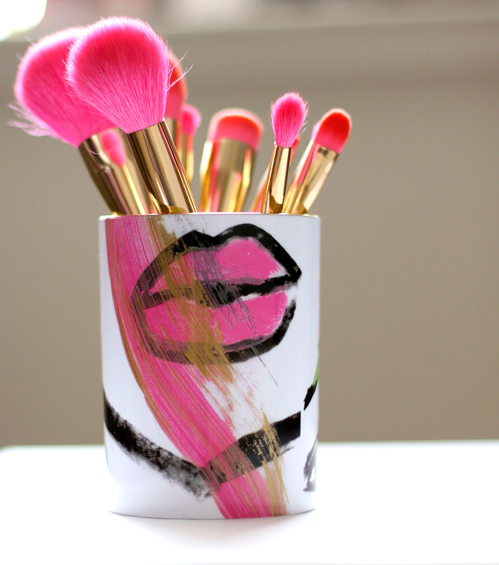 hot-pink-brushes