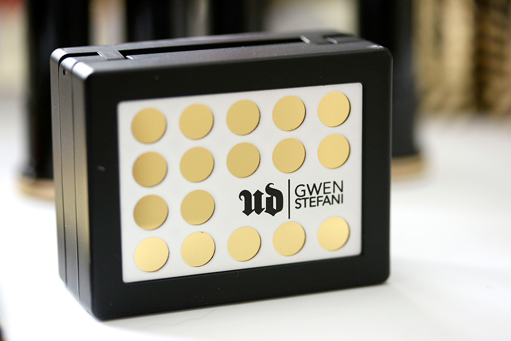 ud gwen stefani brow box packaging