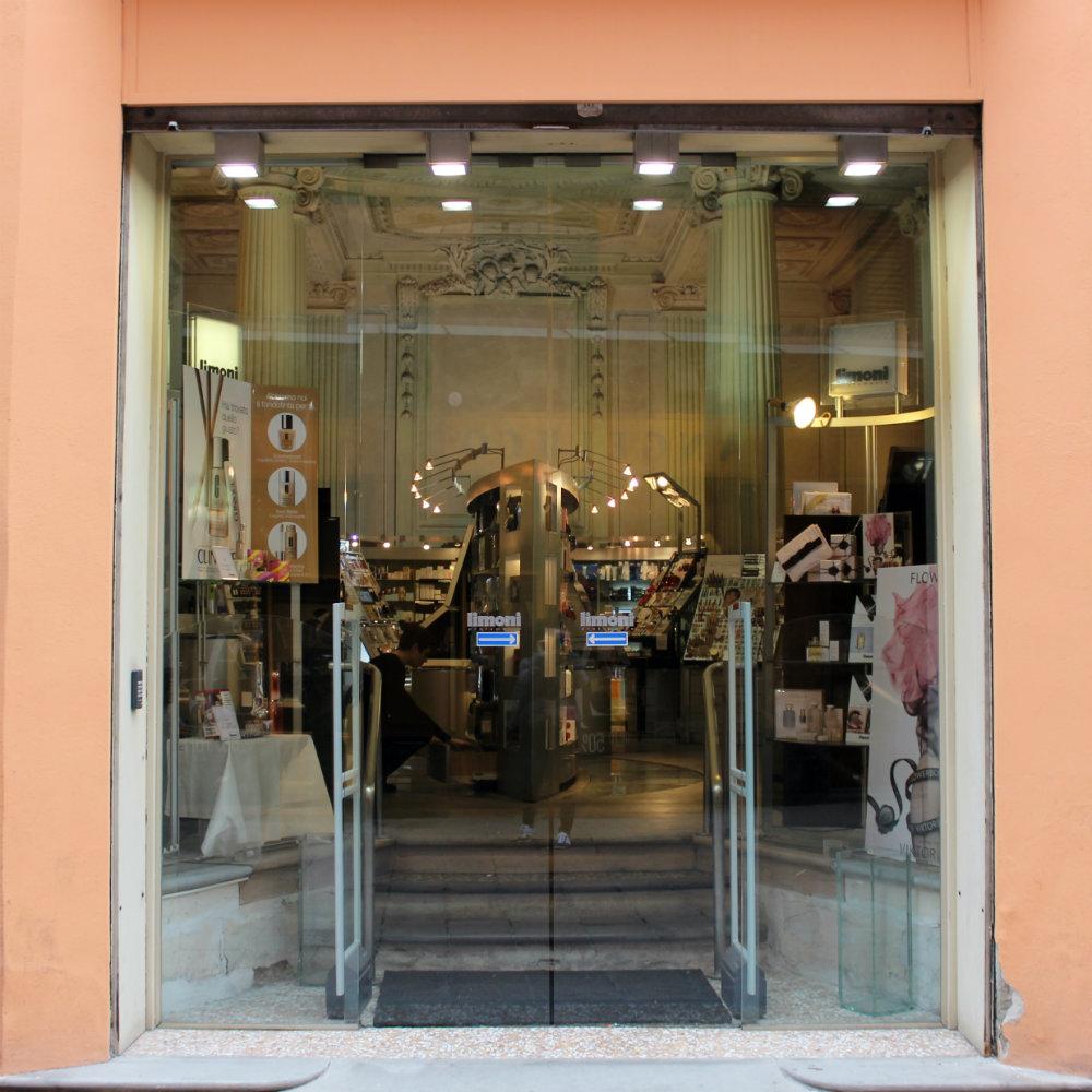 Limoni Beauty Store Bologna Italy