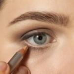 Eye look for any lip color using Honest Beauty eyeliner