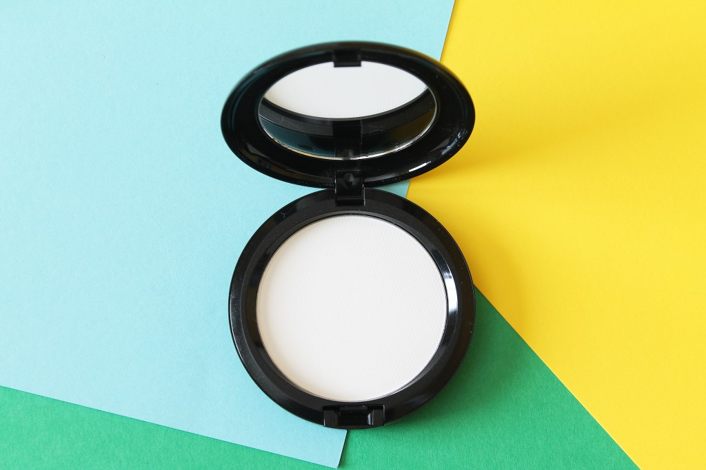 Chris Chang x MAC collection Prime Transparent Finishing Pressed Powder