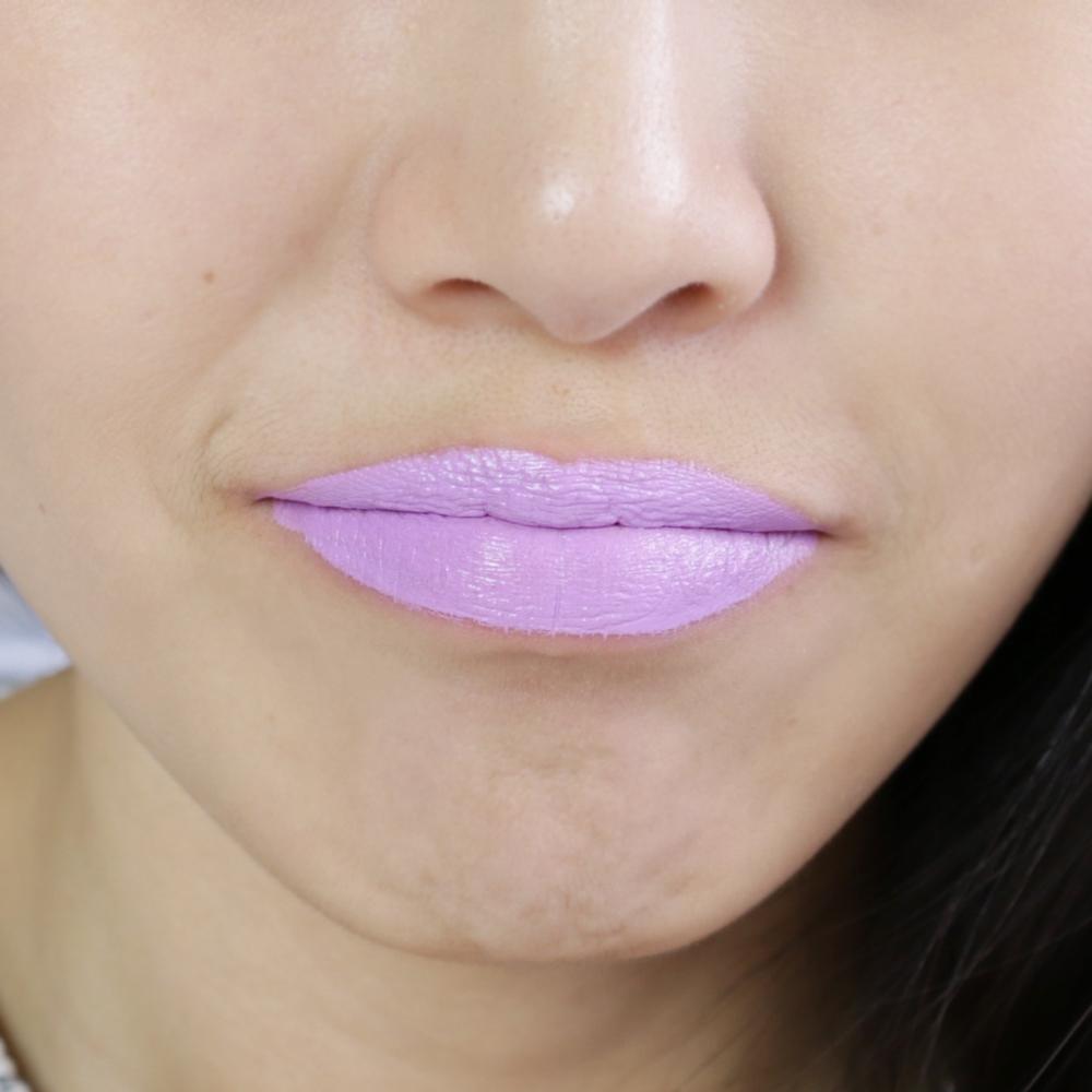 lip-tar-lily-lipswatch