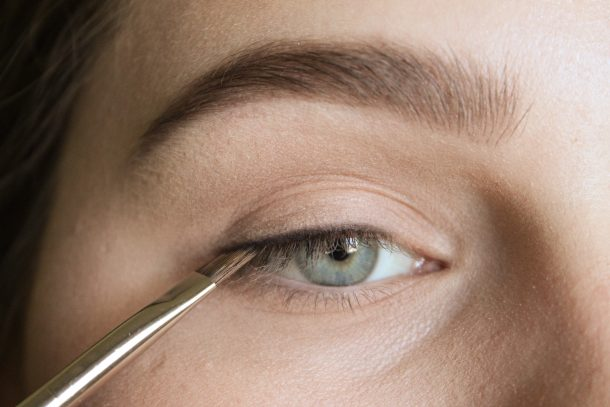 Press the shadow into the upper lashline