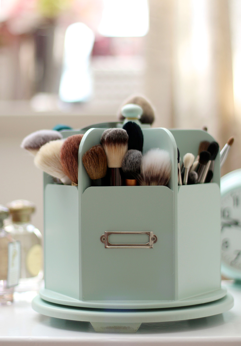 Whatu0027s Your Current Makeup Brush Storage Situation?