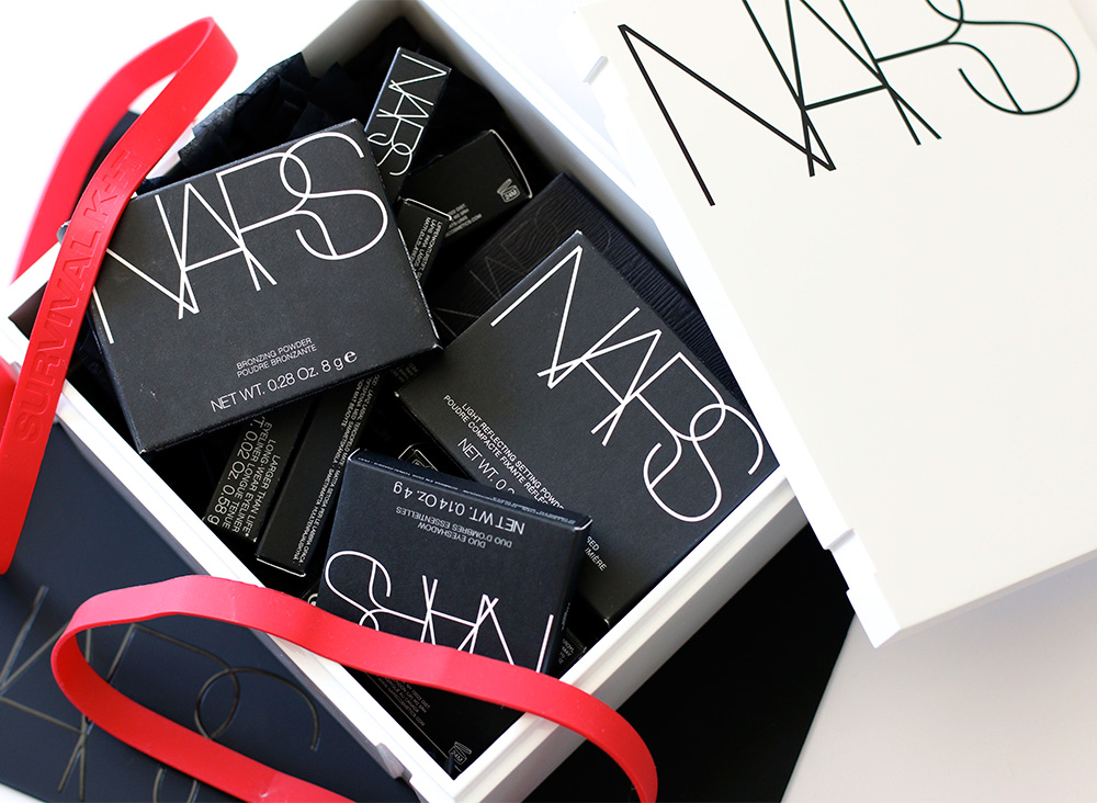 nars cult survival kit open