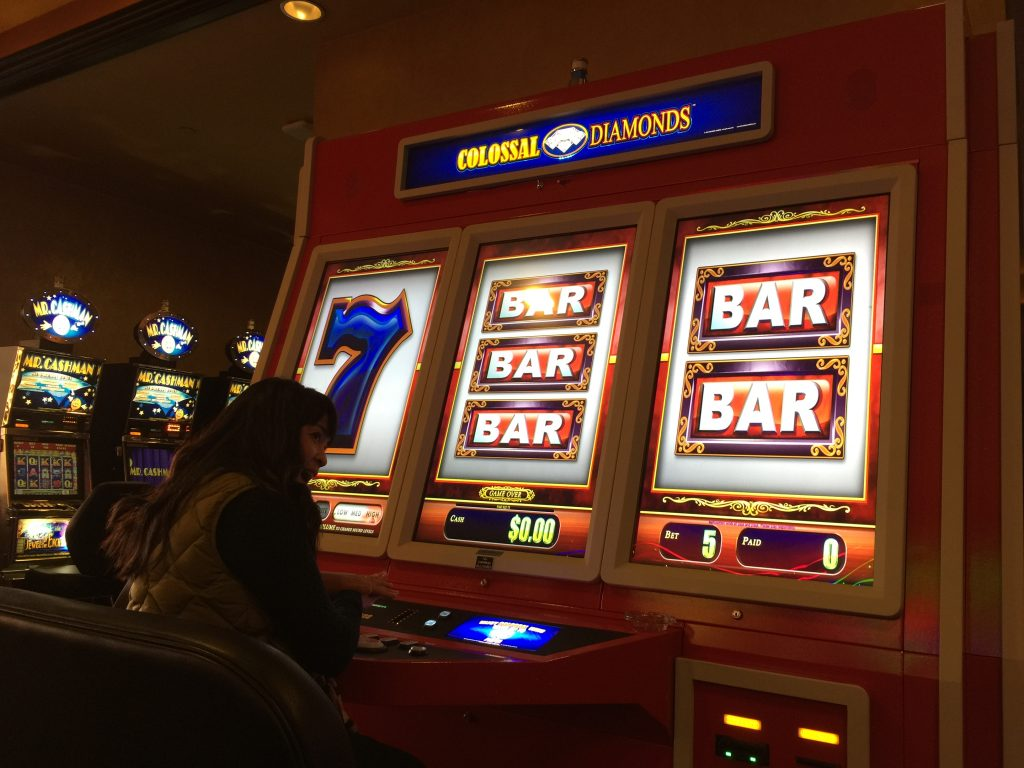 Is this slot machine big enough?