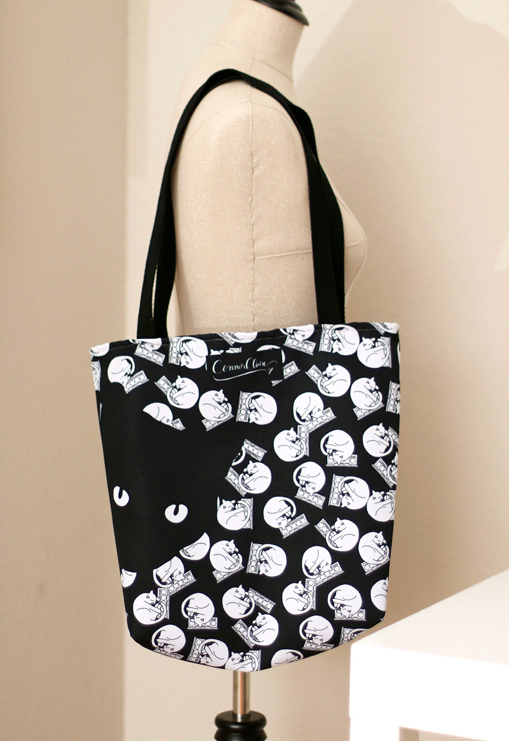 palette kitty tote