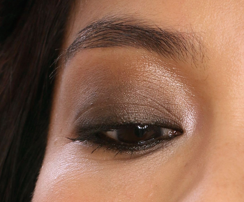 chanel noir petrole eye closeup