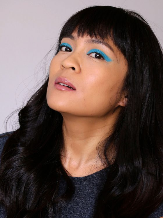 January #mbbinstachallenge Look 1 (Week of Jan. 9-15): My Take on Matte Bright Blue Liner With Super Clean Skin and Nude, Glossy Lips