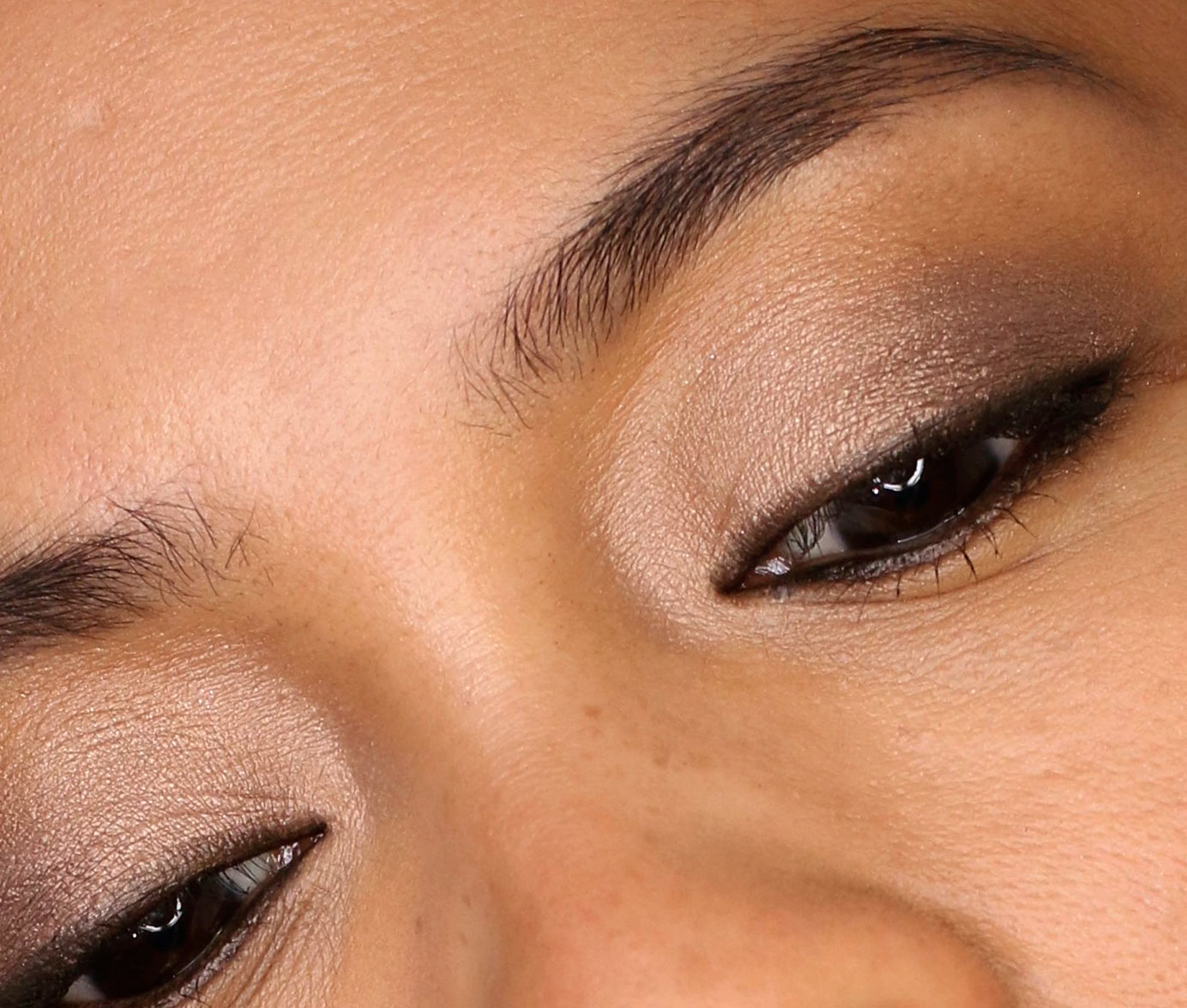 benefit bombshell brow closeup