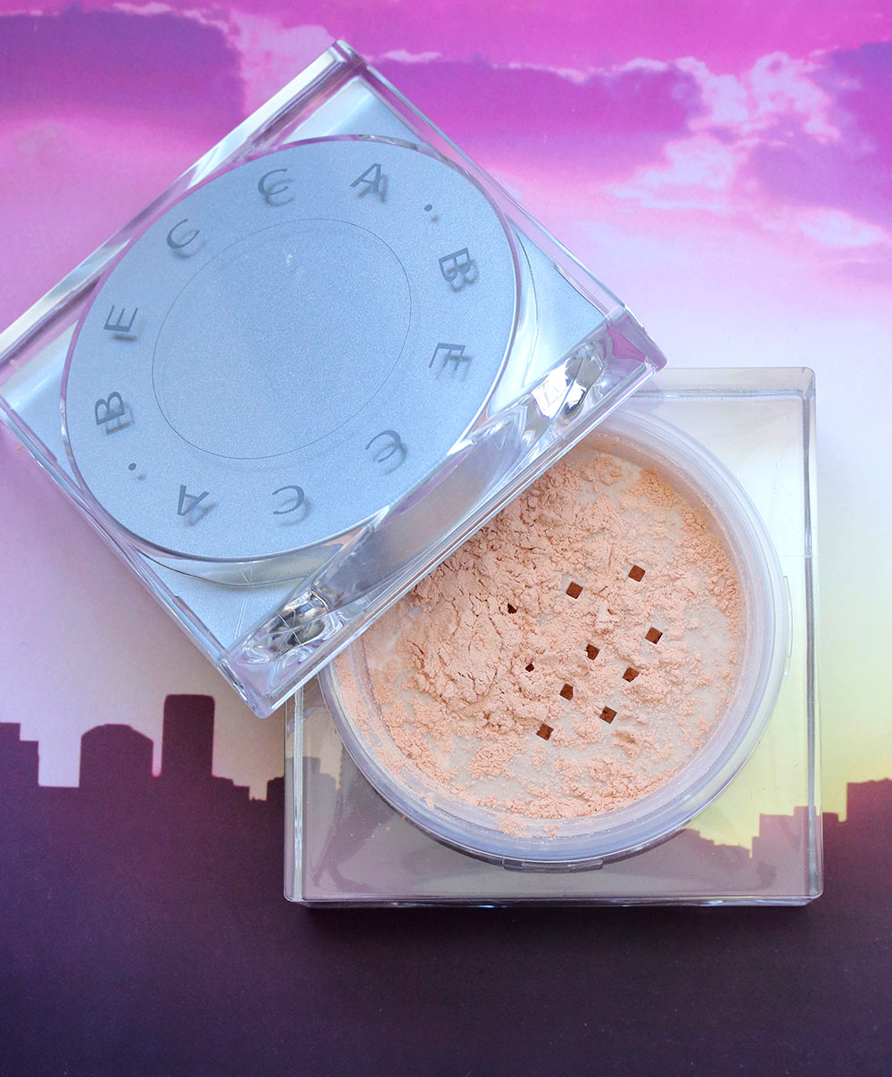 becca golden hour soft light blurring powder 1