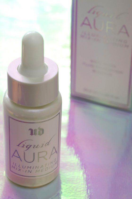 Urban Decay Liquid Aura Illuminating Mix-In Medium Looks Like Unicorn Tears…or a Runnier, Subtler Version of Strobe Cream