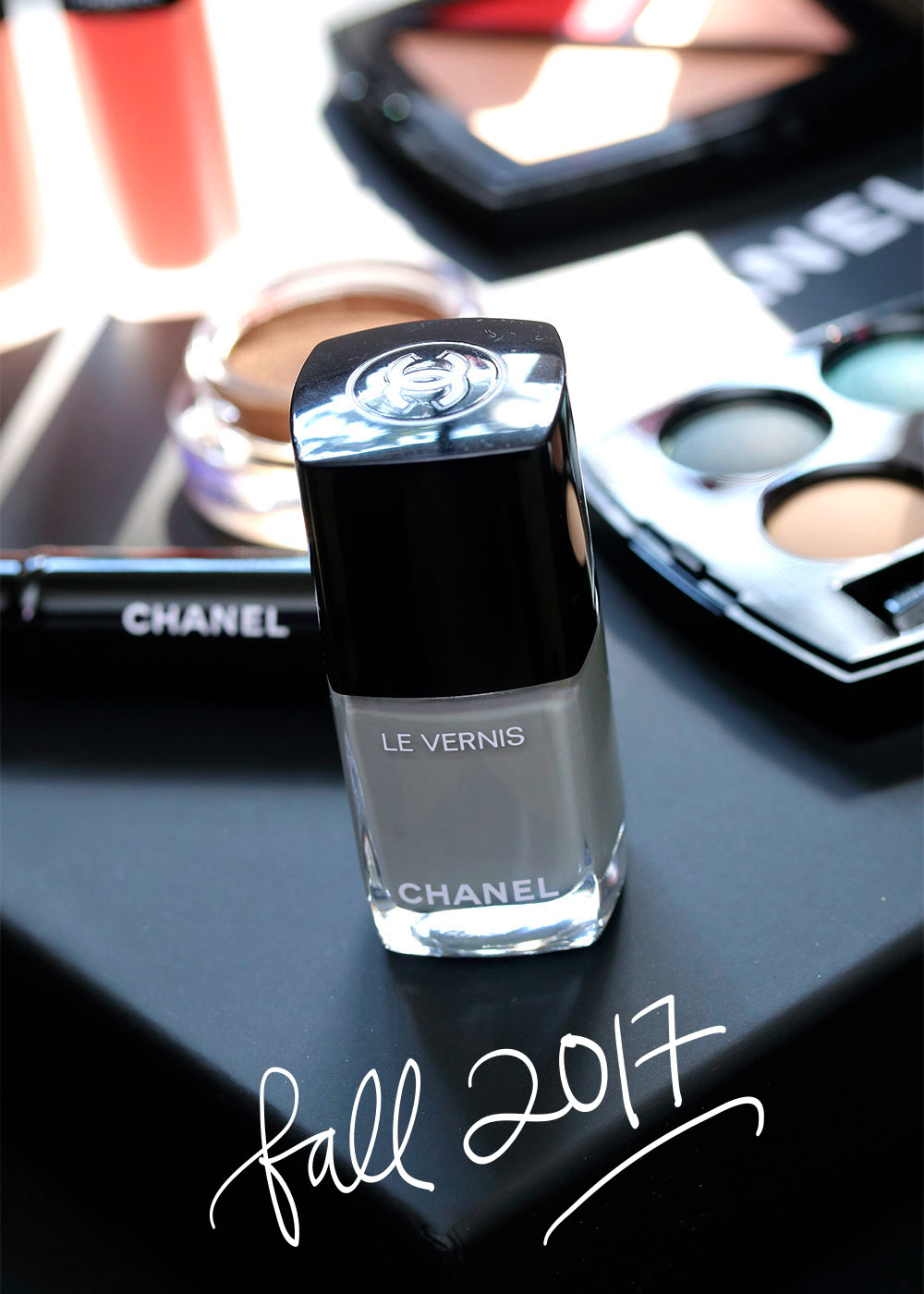 chanel horizon line