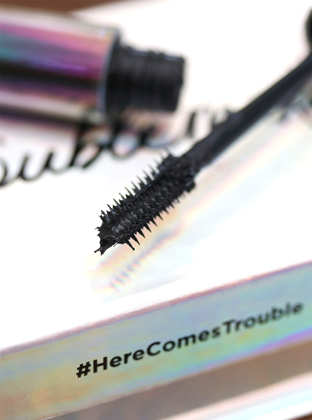urban decay troublemaker mascara brush