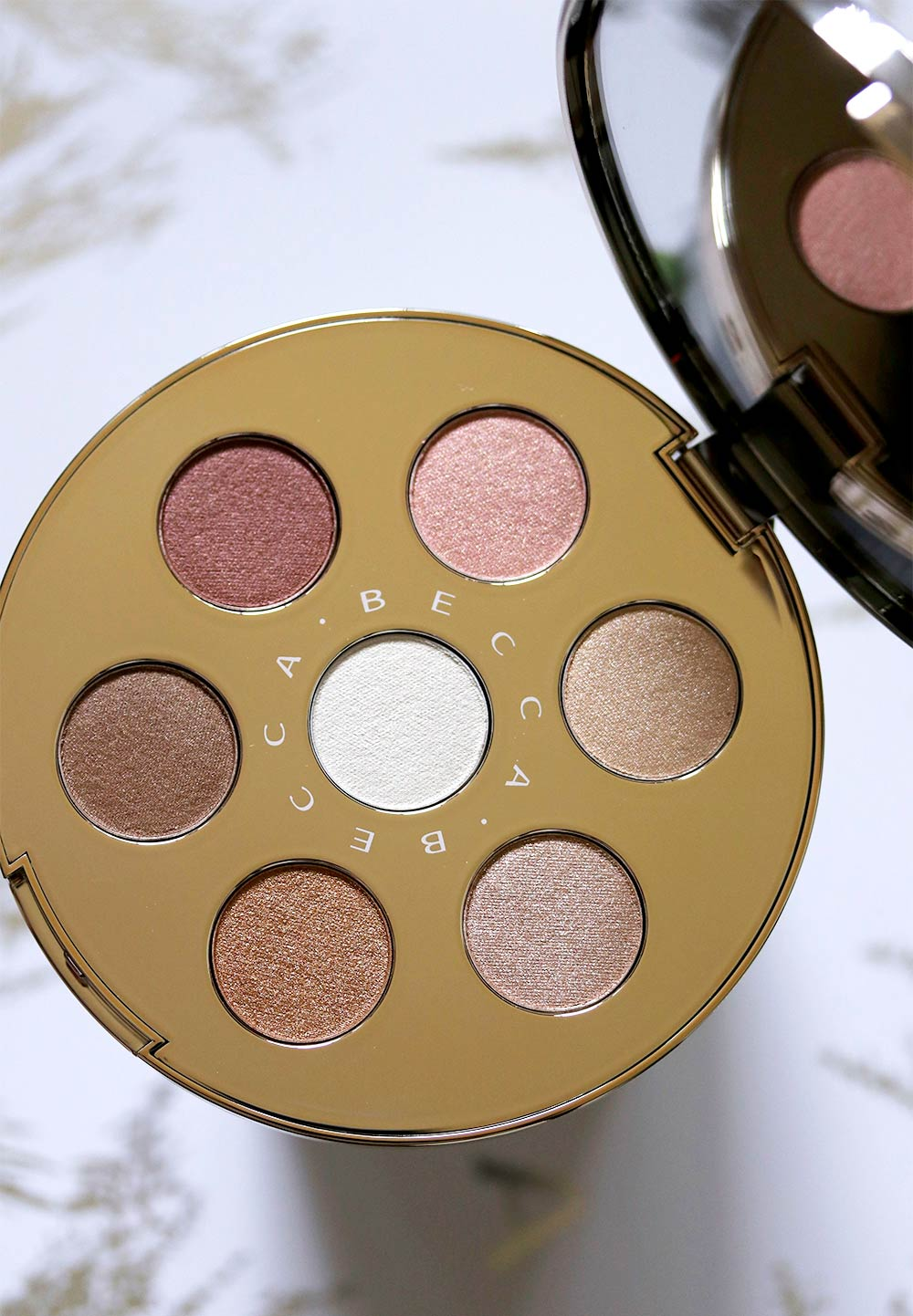 becca eye lights palette open