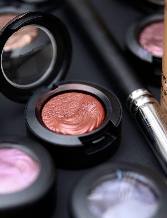 MAC Unsung Heroes: Amorous Alloy Eyeshadow