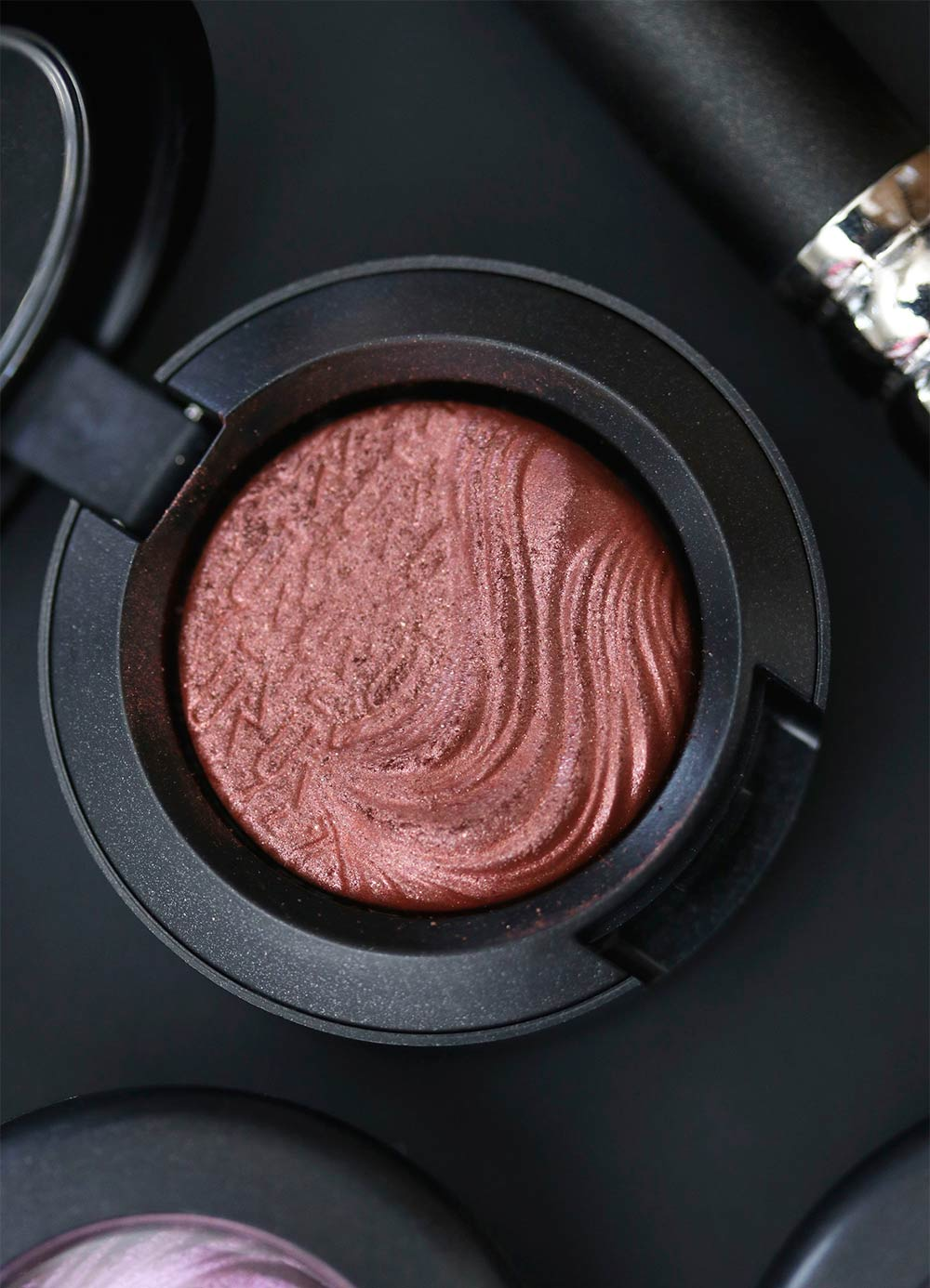 mac amorous alloy