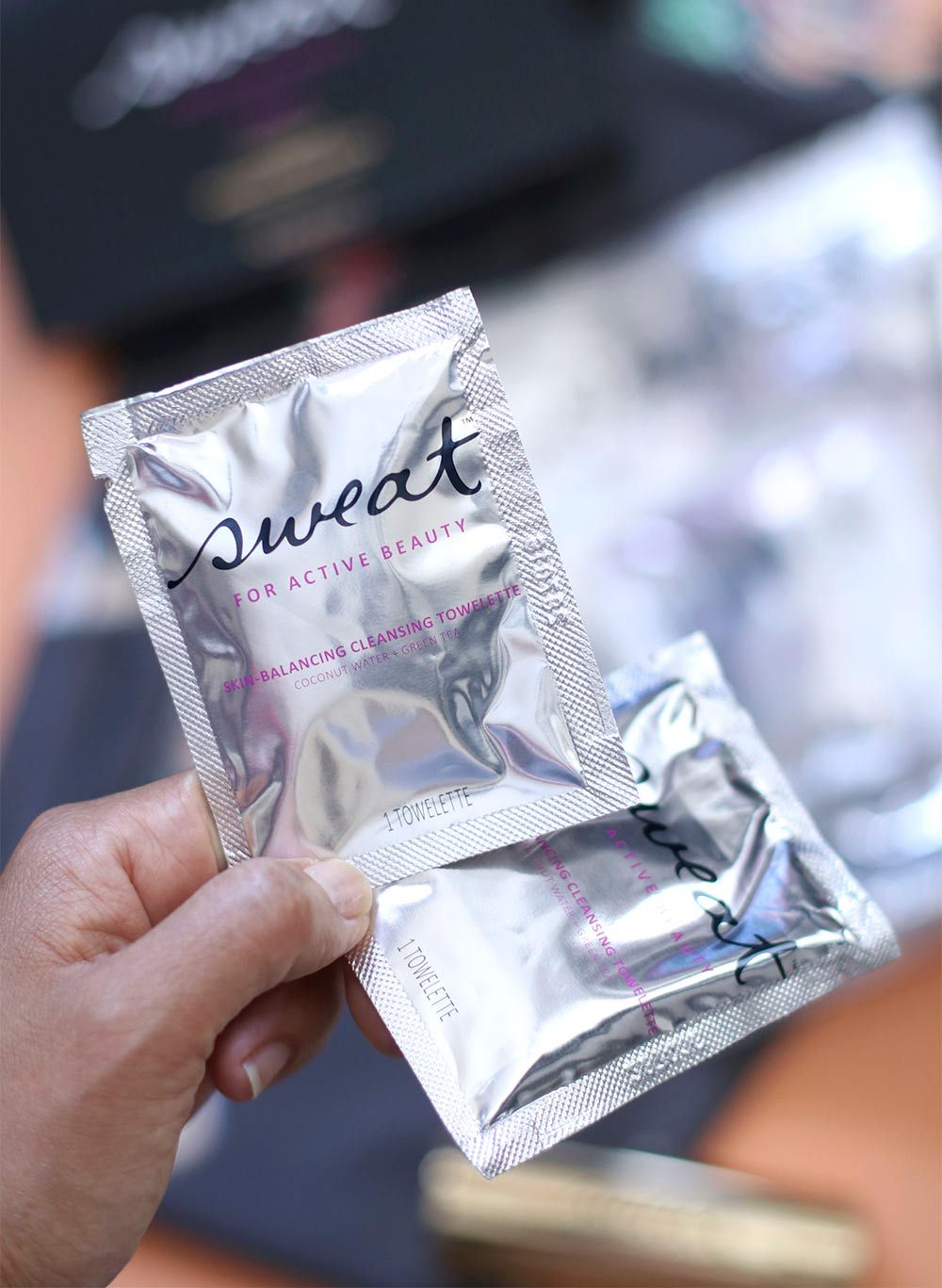 sweat cosmetics skin balancing cleansing towelettes