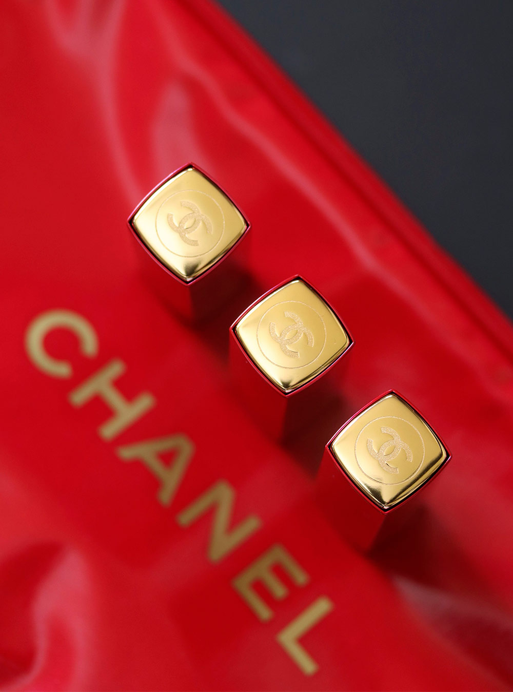 chanel collection libre 2017 numeros rouges caps