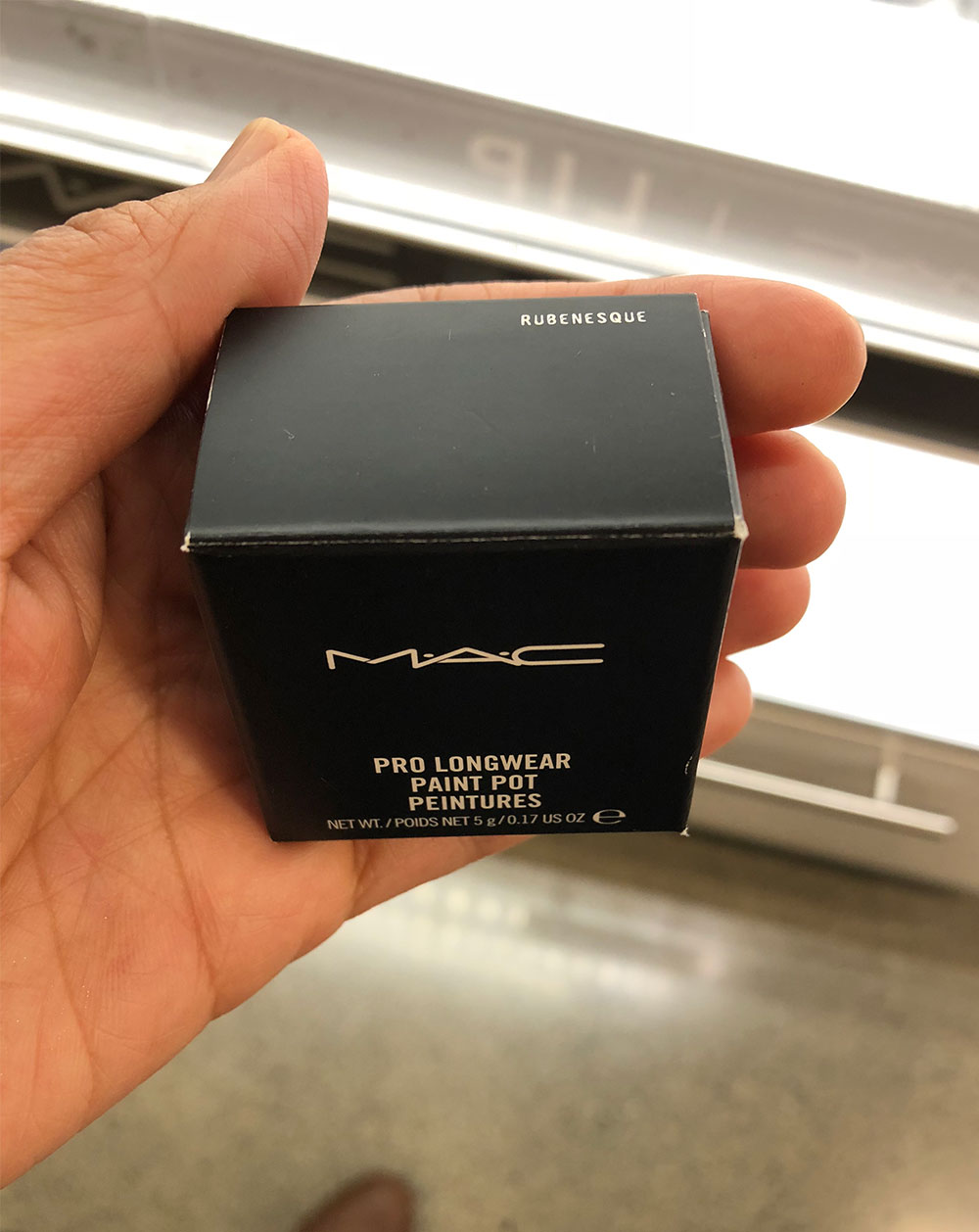 mac rubenesque paint pot packaging
