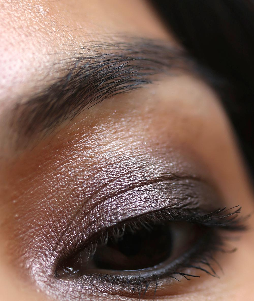 mac snow ball eye bag smoky gold