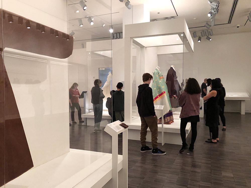 couture korea asian art museum hallway 2