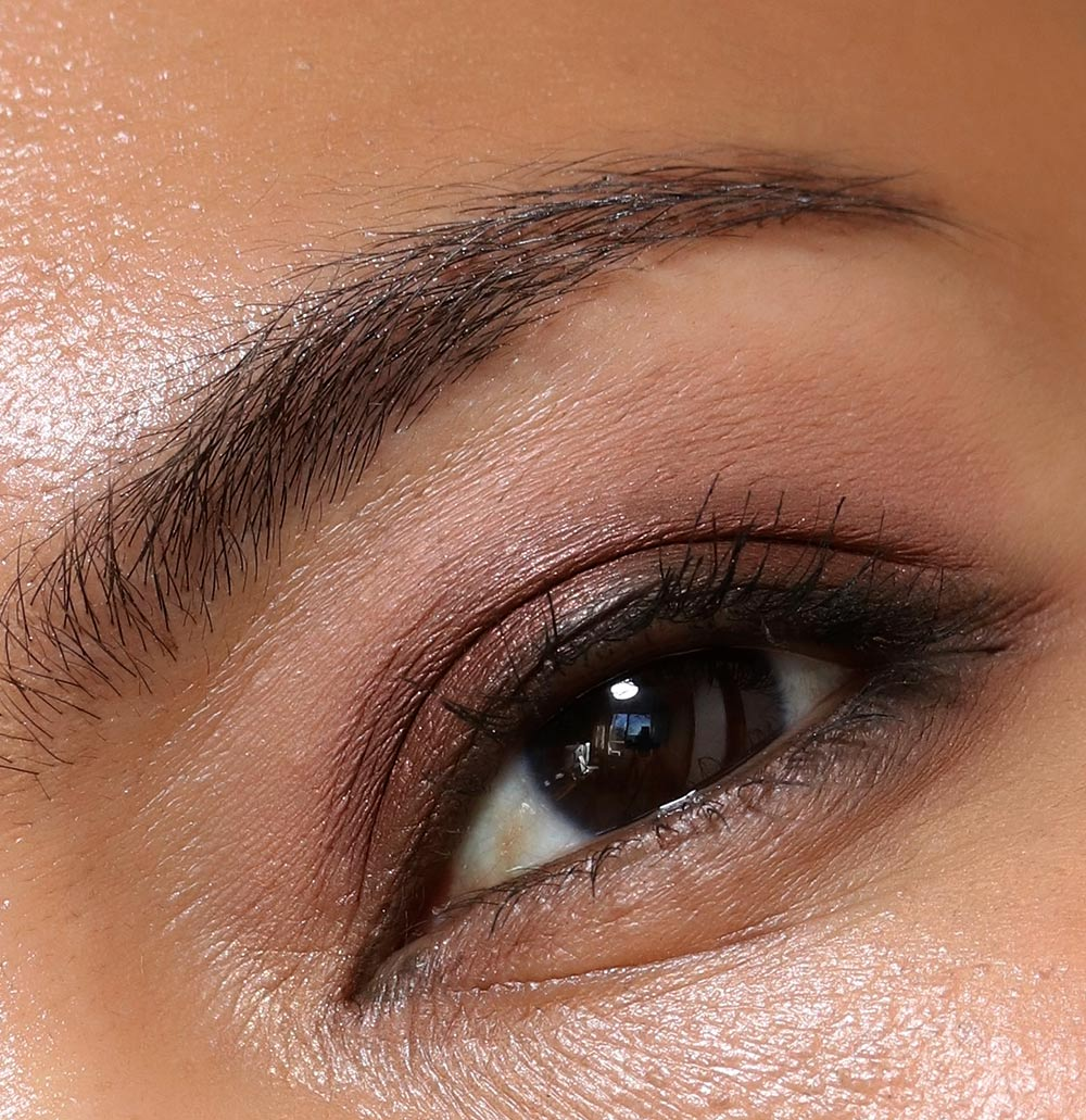 chanel les 9 ombres eye closeup