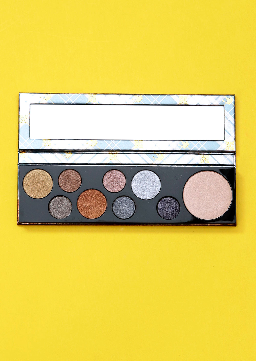 mac qween supreme palette closeup