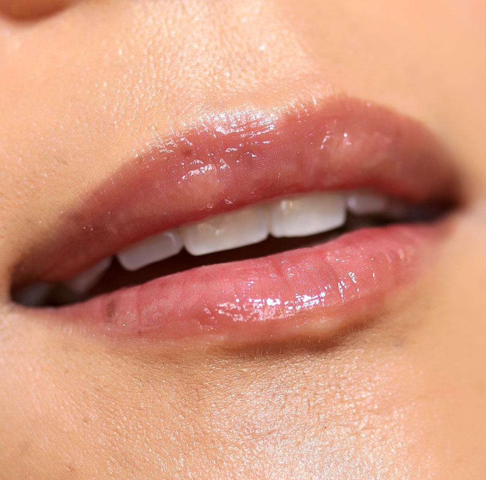 urban decay hi fi shine lip gloss in naked