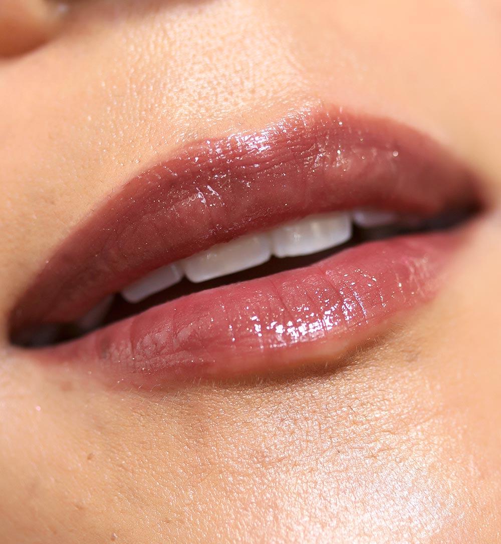 urban decay hi fi shine lip gloss in shadowheart