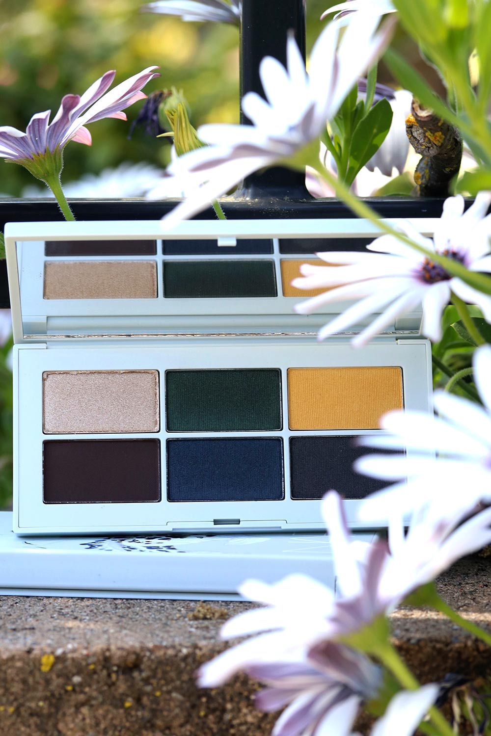 nars night garden eyeshadow palette