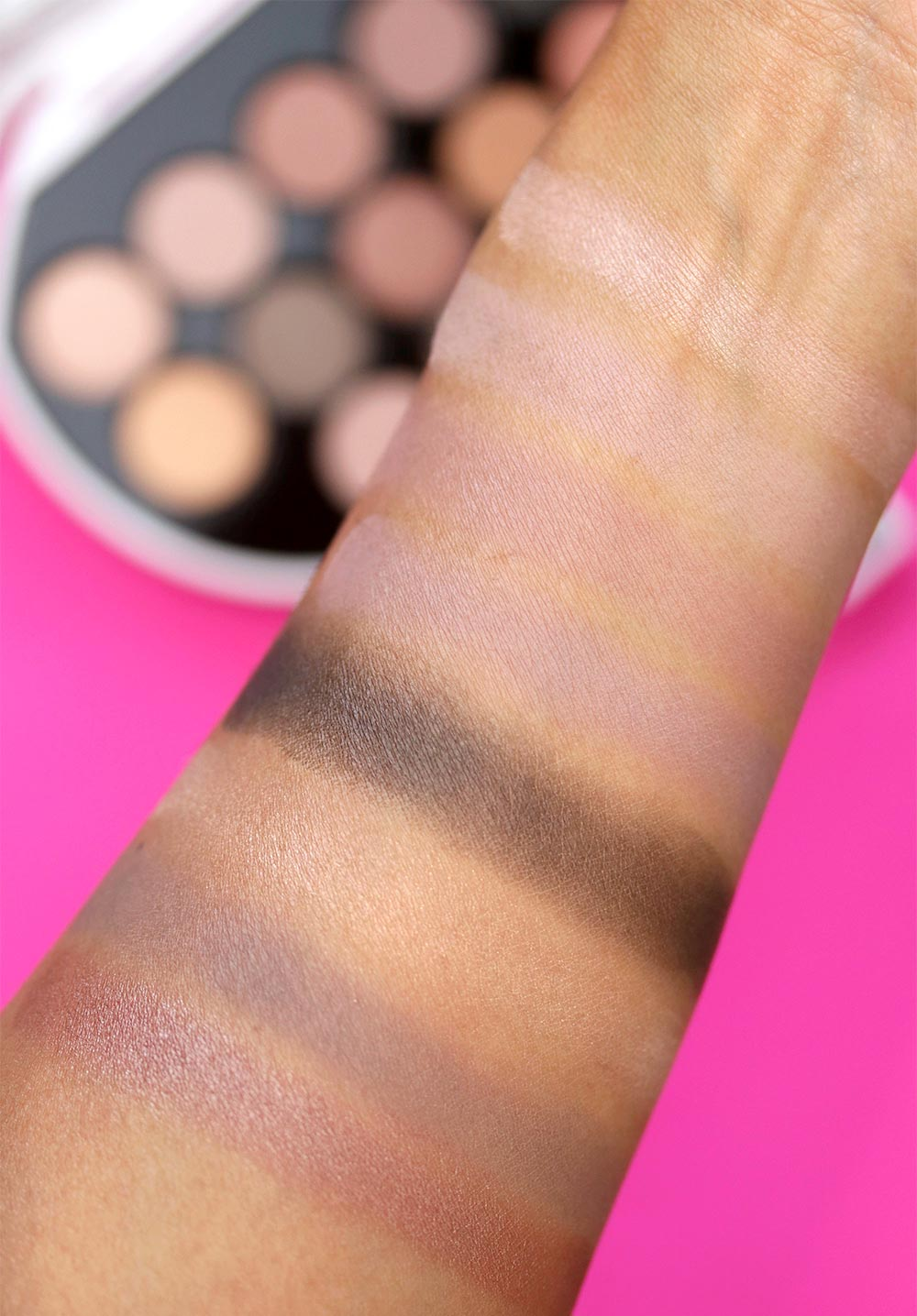karl lagerfeld model co choupette palette swatches 1
