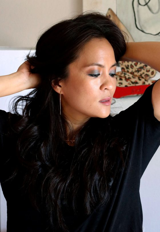 Testing the MAC Mirage Noir Collection Eye Shadow in Sun, Tan and Repeat, and Lipstick in Twig