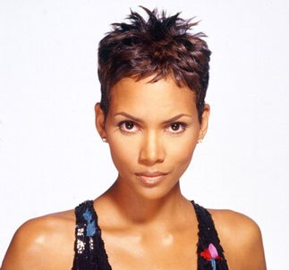 halle-berry-cute-short-hair