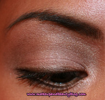 fotd-clinique-happy-bright-holiday-2007-110307-eye