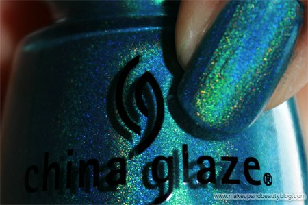 china-glaze-omg-text-in-colour-2bkewl-dv8-636