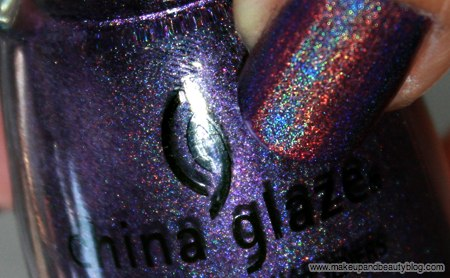 china-glaze-omg-text-in-colour-2bkewl-lol-637