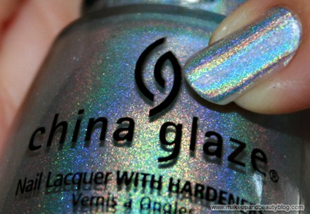 china-glaze-omg-text-in-colour-2bkewl-omg-641