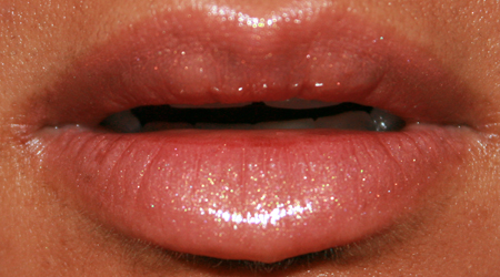 mac-cosmetics-high-tea-nymphette-lipglass