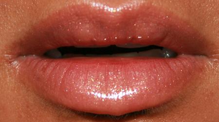 mac-cosmetics-high-tea-nymphette-lipglass