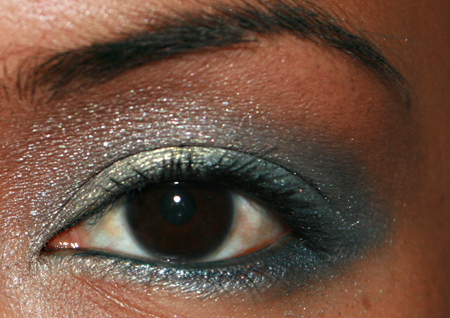 sonia-kashuk-blue-lagoon-eye-shadow-quad-fotd-3