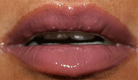 bobbi-brown-mauve-collection-mauve-lip-gloss