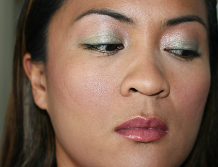 mac-cosmetics-chanel-green-gold-fotd-070608-3