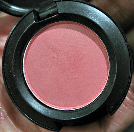 mac sugarsweet mac cosmetics dear cupcake eyeshadow