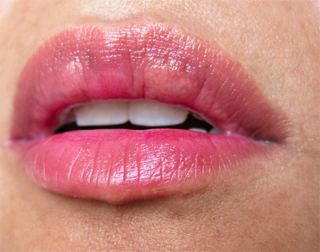 1-mac-a-rose-romance-secret-crush-see-thru-lip-colour-lip-swatch
