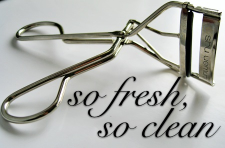 lash-curler-cleaning