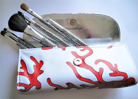sonia kashuk hidden treasure brush set brushes in bag