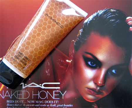 052609-mac-naked-honey-bodw-wash